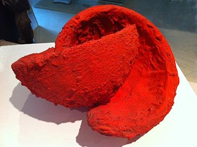 L037-05-Unendlichkeit-rot-Beton